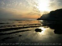 Spettacolo della natura aspettando il tramonto alla Scala dei Turchi. (2oo6)  - Realmonte (2221 clic)
