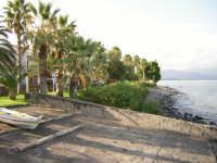 Spiaggia di Torre Archirafi.(2004)  - Torre archirafi (4905 clic)