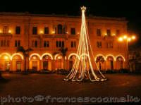 Piazza S. Pietro, Natale 2oo5.  - Riposto (2526 clic)