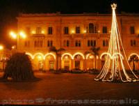 Piazza S. Pietro, Natale 2oo5.  - Riposto (2840 clic)