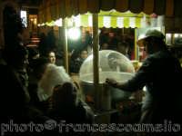 Venditore di zucchero filato.(2oo6)  - Taormina (4421 clic)
