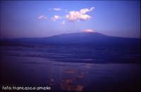 Panorama di Riposto vista da mare. (2004)  - Riposto (2214 clic)