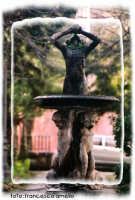 Villetta Garibaldi, particolare della fontana.(2004)  - Giarre (2191 clic)