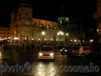 Veduta notturna di Piazza D'uomo.(2oo5)   - Giarre (3717 clic)