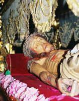 Processione del Venerdì Santo (2005) - Il Cristo Morto  - Zafferana etnea (2284 clic)