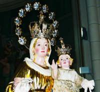 Festa della Madonna del Carmelo (18.07.2005) - Un primo piano della statua settecentesca.  - Pisano etneo (4467 clic)
