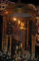Festa di Maria SS. degli Ammalati(14.08.2005) - La statua della Madonna sul suo fercolo.  - Santa maria degli ammalati (4844 clic)
