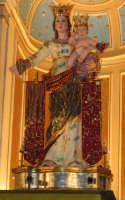 Festa della patrona Maria SS. del Lume(13.11.2005) - Discesa della statua della Madonna dall'altare maggiore.  - Linera (3760 clic)