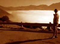 Dario scruta la nebbia!!! dedicata a tutti i parapendisti!!! Castelluccio di Norcia.  - Caltagirone (3484 clic)