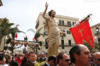 Pasqua. Santo Salvatore dopo l'incontro in piazza Duomo a Casteltermini  - Casteltermini (11760 clic)
