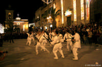 Festa di Santa Croce. Nella foto l'esibizione del sabato del gruppo del Tataratà. www.nicolapalmeri.it  - Casteltermini (9692 clic)