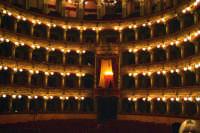 il famoso teatro Massimo Bellini A luci soffuse  - Catania (2420 clic)