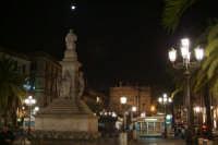 piazza Stesicoro illuminata dalla luna  - Catania (2649 clic)