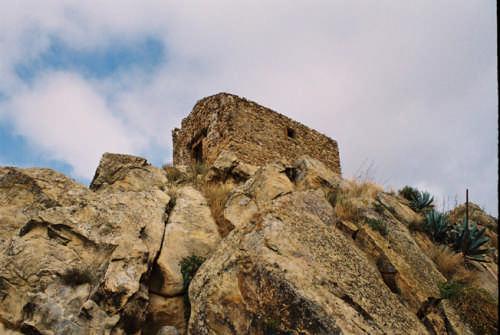 la chiesa sulla roccia. - VALGUARNERA CAROPEPE - inserita il