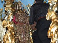 2Luglio,festa della patrona Maria SS.della Visitazione la vestizione del simulacro tramite corpetti