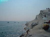 Soggetto: La Scala dei Turchi FotoCamera: FujiFilm FinePix A330 Software: Adobe Photoshop CS2 Luogo: Realmonte (AG) Data: 16 Luglio 2oo6 Ore: 16:32  - Realmonte (2282 clic)