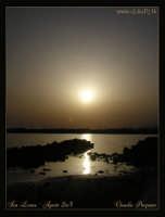Soggetto: Tramonto sul Mare Fotocamera: Nikon Coolpix 2100  Software: Adobe Photoshop CS2  Luogo: San Leone (AG) Data: 17 Agosto 2oo5  Ore: 19:17   - San leone (4200 clic)