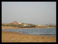 Soggetto: La Spiaggia Fotocamera: Nikon Coolpix 2100 Software: Adobe Photoshop CS2 Luogo: San Leone (AG) Data: 18 Agosto 2oo5 Ore: 18:57  - San leone (9632 clic)