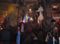 Natale 2006. Particolare dell'artistico presepe allestito sull'altare maggiore della Chiesa Madre di Linera.  - Linera (5614 clic)