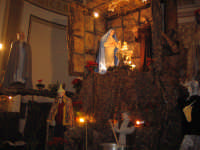 NATALE 2005. Un dettaglio del presepe allestito sull'Altare Maggiore della Chiesa Madre.    - Linera (4971 clic)