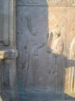 Particolare 1 della porta in bronzo della Chiesa parrocchiale di Aci S. Lucia in Aci Catena  - Aci catena (2854 clic)