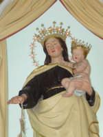 Artistico simulacro della Madonna del Carmine, venerato nella chiesa del Carmine di Giarre.   - Giarre (2173 clic)