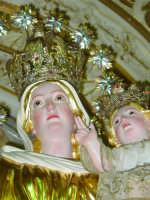 Artistico simulacro della Madonna del Carmine, posto sull'altare maggiore.   - Pisano etneo (3154 clic)