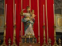 Simulacro di Maria SS. del Rosario sull'altare Maggiore nel giorno della festa ( 16 Luglio ).  - Riposto (2545 clic)