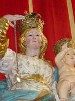 Simulacro di Maria SS. del Rosario sull'altare Maggiore nel giorno della festa ( 16 Luglio ).  - Riposto (2482 clic)