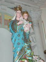 Simulacro di Maria SS. delle Grazie sull'altare Maggiore nel giorno della festa ( Luglio ).  - Carrubba di giarre (3140 clic)