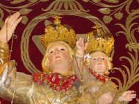 Simulacro di Maria SS. del Rosario sull'altare maggiore della chiesa nel giorno della festa ( Ottobre ).  - Trepunti di giarre (3097 clic)