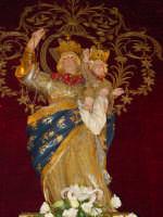 Simulacro di Maria SS. del Rosario sull'altare maggiore della chiesa nel giorno della festa ( Ottobre ).  - Trepunti di giarre (3336 clic)