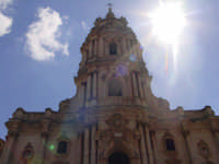 Maestoso prospetto della Chiesa di S. Giorgio.  - Modica (2218 clic)