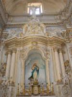 Altare laterale dedicato alla Madonna nella chiesa di S. Giorgio.  - Modica (2288 clic)