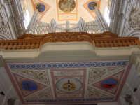 Cantoria e organo nella chiesa di S.Pietro a Modica.  - Modica (4391 clic)