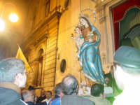 Chiesa dell'Oratorio:uscita del simulacro della Madonna della Purità dalla Chiesa dell'oratorio.Festa prima domenica di febbraio.  - Giarre (2730 clic)