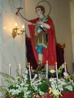 Chiesa dell'Oratorio: Sant'Espedito martire sull'altare maggiore. Festa liturgica il 19 Aprile.  - Giarre (3828 clic)