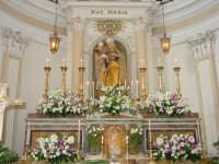 Simulacro della Madonna delle Grazie sull'altare maggiore nel giorno della festa.  - Valverde (5648 clic)
