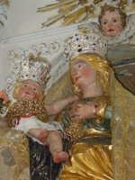 Simulacro della Madonna delle Grazie sull'altare maggiore nel giorno della festa.  - Valverde (3500 clic)