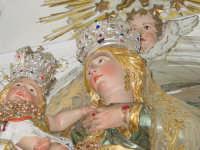 Simulacro della Madonna delle Grazie sull'altare maggiore nel giorno della festa.  - Valverde (3219 clic)