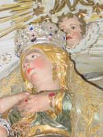 Simulacro della Madonna delle Grazie sull'altare maggiore nel giorno della festa.  - Valverde (4666 clic)