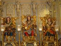 I tre santi fratelli martiri Alfio, Filadelfo e Cirino subito dopo la svelata all'interno della cappella nel santuario a loro dedicato.  - Trecastagni (2503 clic)