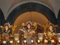 I tre santi fratelli martiri Alfio, Filadelfo e Cirino all'interno della chiesa madre dove sostano nel pomeriggio del 10 maggio.  - Trecastagni (3109 clic)