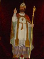 Simulacro di S. Martino Vescovo sull'altare maggiore della chiesa a lui intitolata, nel giorno della festa ( 11 Novembre ).  - Carrubba di giarre (3268 clic)