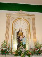 Statua di S.Anna nella sua cappella all'interno della chiesetta a lei dedicata nella borgata marinara nel giorno della sua festa. ( 26 Luglio)  - Sant'anna di mascali (4980 clic)