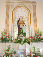 Statua di S.Anna nella sua cappella all'interno della chiesetta a lei dedicata nella borgata marinara nel giorno della sua festa. ( 26 Luglio)  - Sant'anna di mascali (4886 clic)