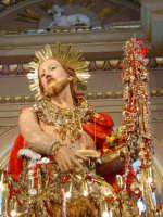 Simulacro di S. Giovanni Battista sull'altare maggiore nel giorno della festa ( 24 Giugno ).  - Aci trezza (1943 clic)