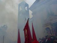 Festosa uscita di S.Sebastiano, sparo di mortaretti e bombe.  - Santa venerina (5439 clic)
