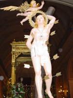 Simulacro di S. sebastiano nel momento dell'uscita dalla chiesa madre del paese.  - Piedimonte etneo (3356 clic)