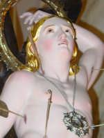 Simulacro di S. sebastiano nel momento dell'uscita dalla chiesa madre del paese.  - Piedimonte etneo (2587 clic)